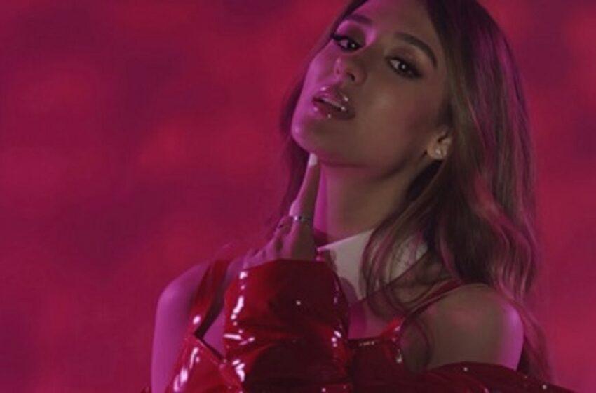 (VIDEO) La doar 17 ani, a ajuns pe piața muzicală internațională. Vezi noul videclip al interpretei Emily Istrate
