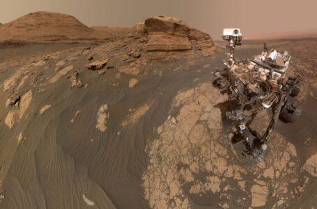 """(foto) Imagini spectaculoase de pe Marte trimise de roverul Curiosity. Selfie cu """"Mont Mercou"""""""