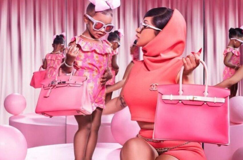 Fiica lui Cardi B are colecție de poșete Chanel și Dior la numai 2 ani. Micuța a primit cadou de la mama sa accesorii de 26.000 $