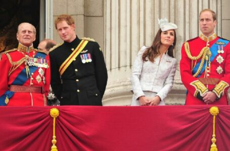 Familia regală din Marea Britanie nu va purta uniforme militare la înmormântarea Prințului Philip, pentru a nu-l stânjeni pe Harry
