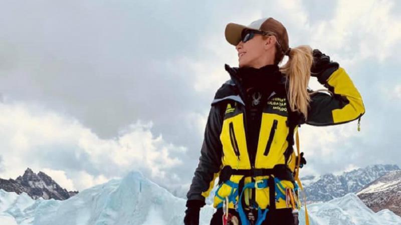 A cucerit Everestul! Olga Țapordei a devenit prima femeie din Moldova, care a escaladat cel mai înalt punct al planetei