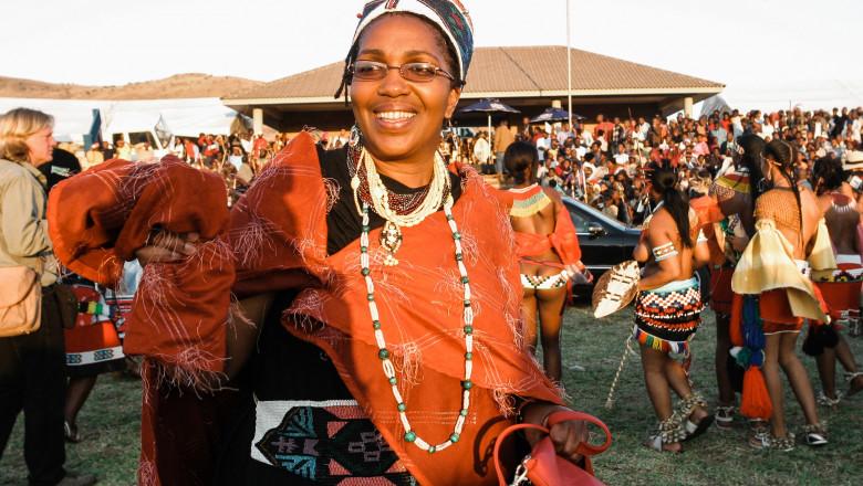 Regina Zulu a fost îngropată, în timp ce familia se ceartă pentru tron. Cauza morții nu a fost încă anunțată