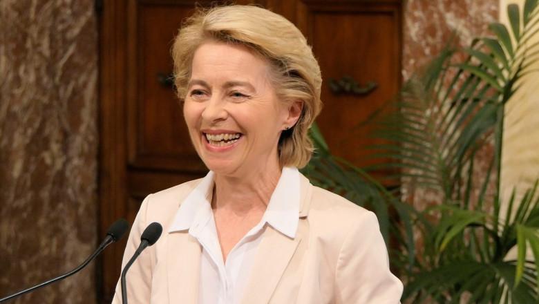 Ursula von der Leyen a devenit bunică pentru prima dată. Preşedinta Comisiei Europene are șapte copii