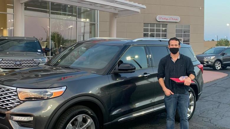 Un bărbat a furat o mașină de 58.000 de dolari, apoi s-a pozat cu ea pentru Instagram. În cât timp a fost prins