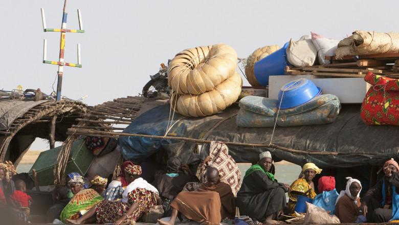 Peste 150 de oameni sunt dați dispăruți și probabil s-au înecat, după ce un vas supraîncărcat s-a scufundat în Nigeria