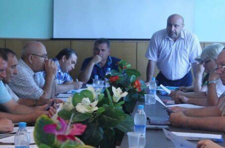 Bătaie la primăria din Vulcănești: Primarul, acuzat că a lovit două consiliere, chiar în incinta instituției.