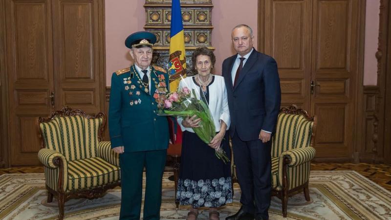 A împlinit 100 de ani, chiar de Ziua Victoriei: Veteranul Pavel Gadcov a primit astăzi flori și onoruri