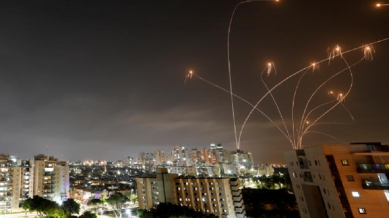 Momente cumplite pentru moldovenii reveniți cu o cursă de la Tel-Aviv: Aeronava a fost blocată deasupra orașului din cauza atacului cu rachete