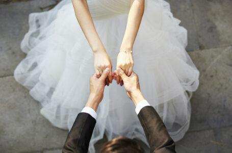 Pentru că mireasa a murit în ziua nunții, mirele a cerut-o de soție și s-a căsătorit în aceeași zi cu sora ei