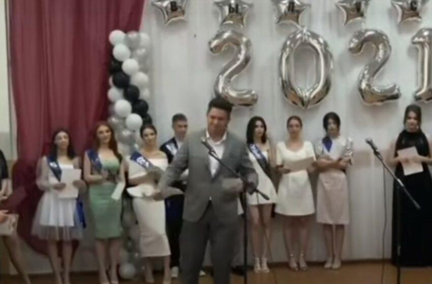 (video) Notele nu înseamnă nimic: Un absolvent din Găgăuzia și-a rupt diploma