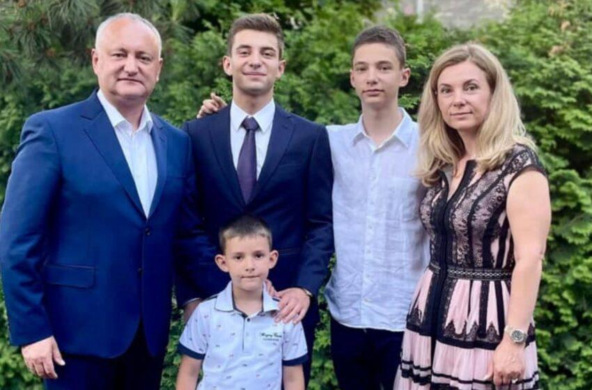 Primul absolvent din familia Dodon: Emoții mari ca părinți