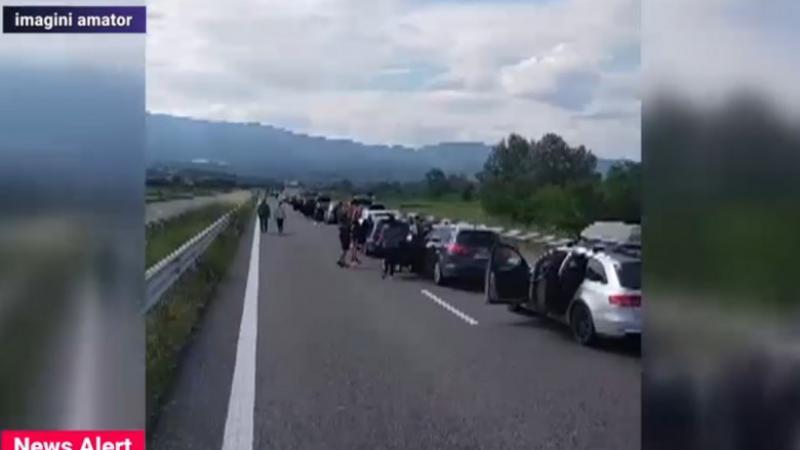 (video) Cozi de sute de mașini la intrare în Grecia