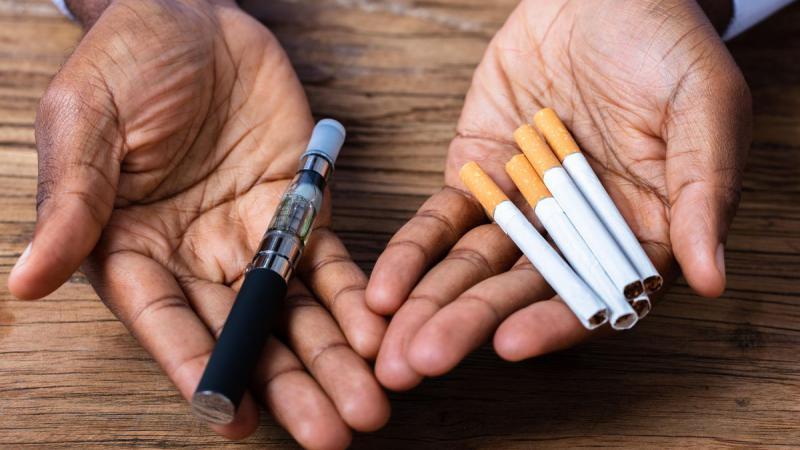 Studiu: Taxele mai mari pentru țigările electronice duc la creșterea consumului de țigări tradiționale