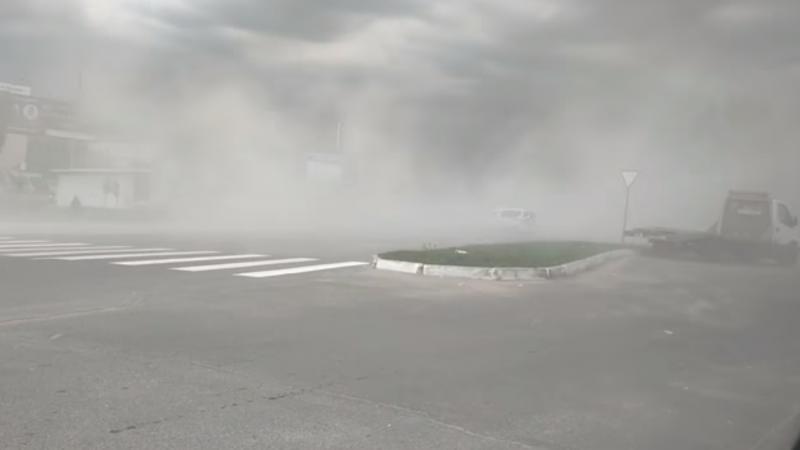 (video) Furtună puternică la Hîncești: Străzile au fost acoperite cu praf