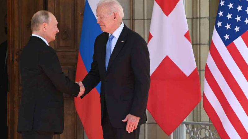 Ce cadouri i-a oferit Joe Biden lui Vladimir Putin