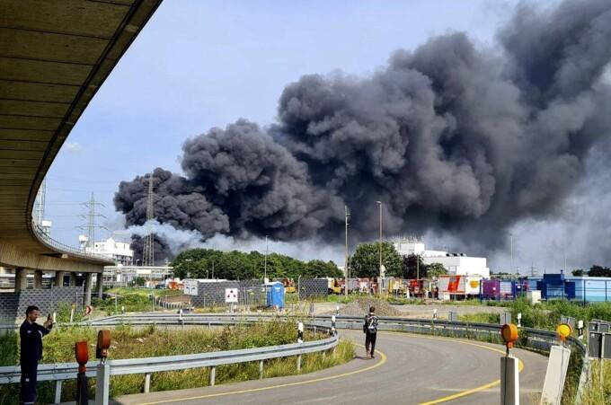 Exploziei dintr-un parc industrial din Leverkusen