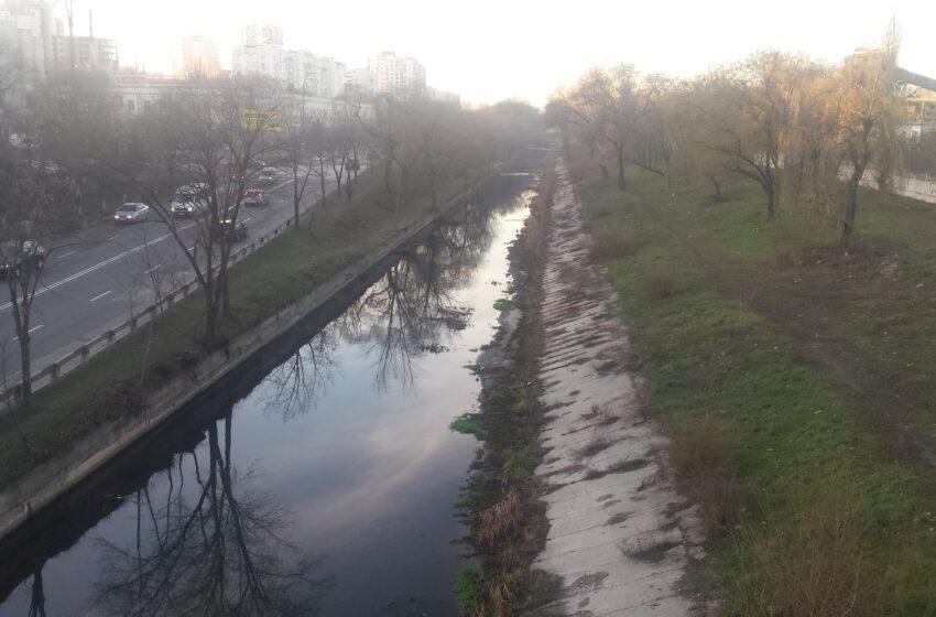 Râul Bâc va fi reabilitat. Consilierii au avizat un proiect menit să prevină și inundațiile pe unele străzi din capitală