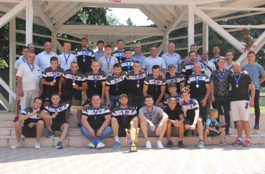 FCM Ungheni a primit medaliile și cupa pentru titlul de campioană a Diviziei B, seria Nord