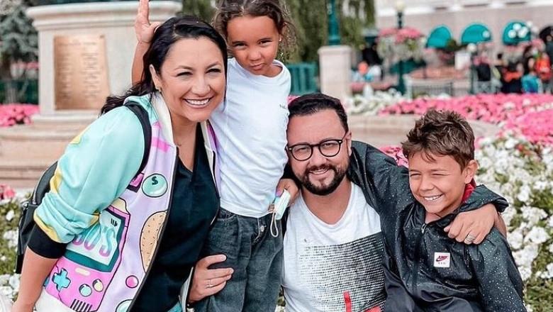 (FOTO) Andra și Cătălin Maruță, alături de copii într-o vacanță de vis la Disneyland