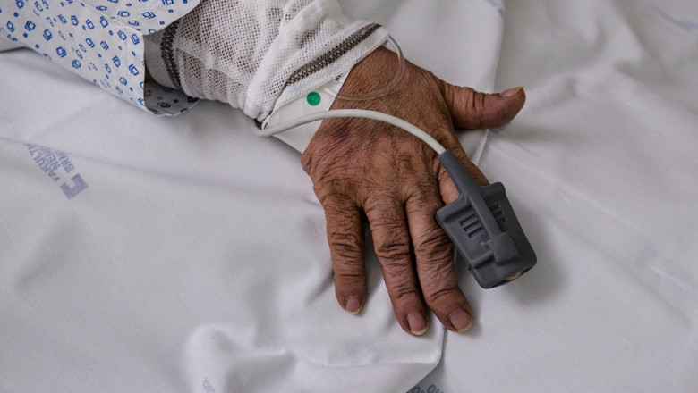 Un bătrân de 102 ani din Rusia s-a vindecat după o formă gravă de Covid
