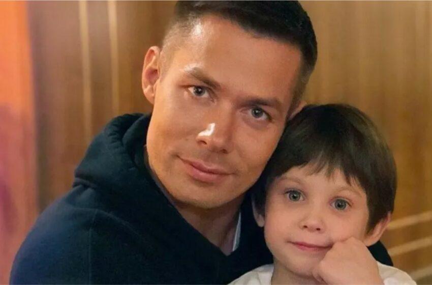 Fiul interpretului rus Stas Piekha și bunica acestuia au fost spitalizați, după ce au fost atacați de vecină