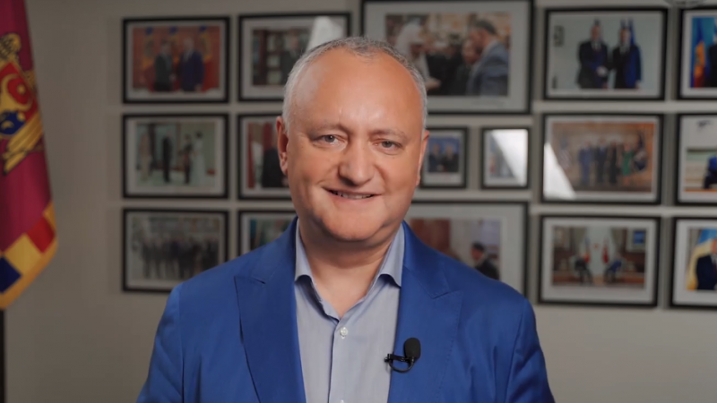 """(stop cadru) Concurs de la Igor Dodon pentru rebrandingul emisiunii sale: """"Sunt gata să ascult cele mai năstrușnice idei"""""""