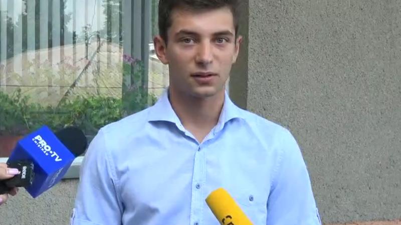 (video) Vlad Dodon a votat pentru prima dată și a fost luat la întrebări de jurnaliste: Haidem, că fetele astea sunt foarte provocatoare