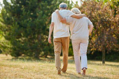 Cuplurile care au ajuns la 50, 60 sau 70 de ani de căsătorie vor beneficia de ajutoare financiare de la primărie: Unde pot fi adresate cererile