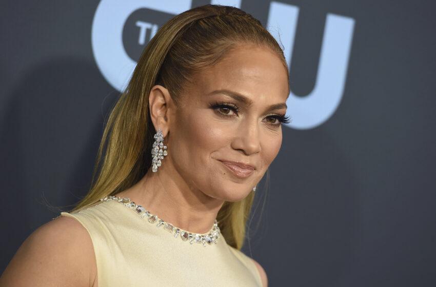 Jennifer Lopez și-a sărbătorit ziua de naștere pe un iaht de lux, în Saint Tropez: Sărut pasional cu Ben Affleck