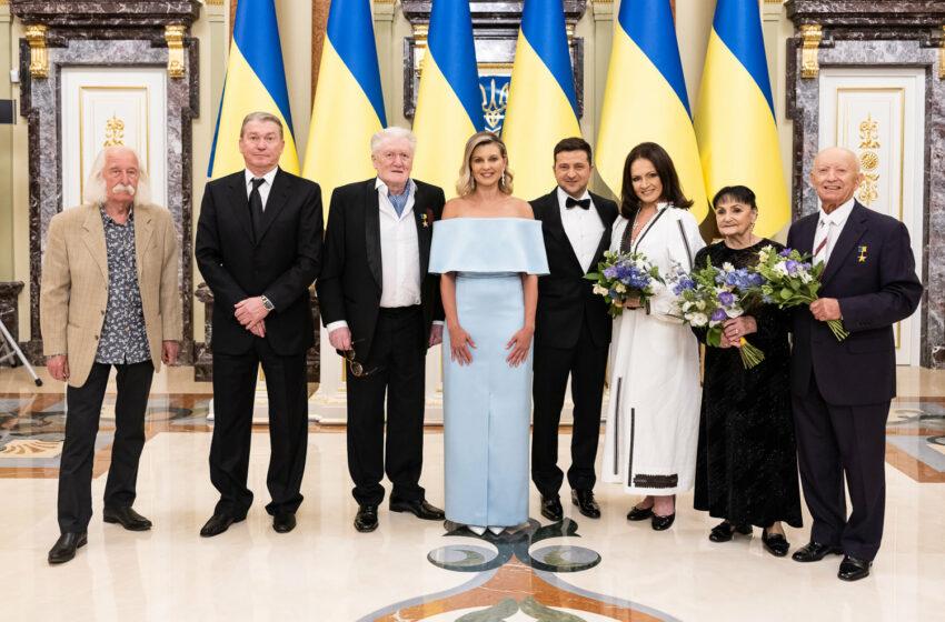 (FOTO/VIDEO) Sofia Rotaru – Legendă vie a Ucrainei: Preşedinţia de la Kiev a înmânat primele premii legendare personalităţilor marcante din ţara vecină