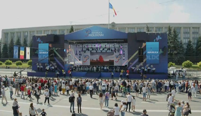 Parada militară, concerte și cinema în aer liber. Vezi programul evenimentelor dedicate celor 30 de ani de Independență