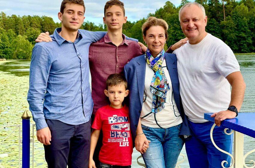 Cum și-a surprins Igor Dodon soția, la 22 ani de căsnicie