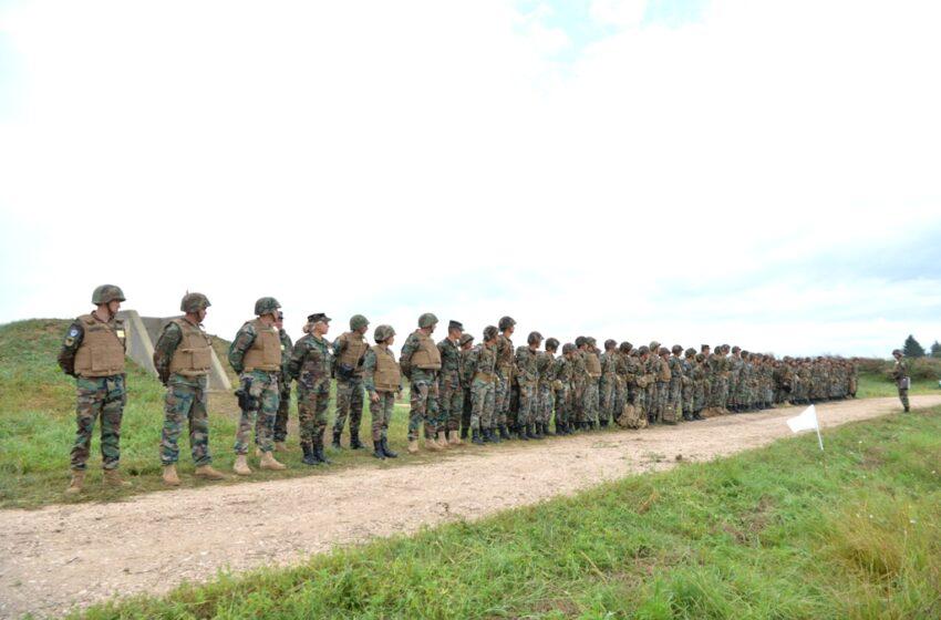 16 fete, înrolate în Armată: Au tras din arme astăzi, pentru prima dată, de rând cu ceilalți tineri soldați