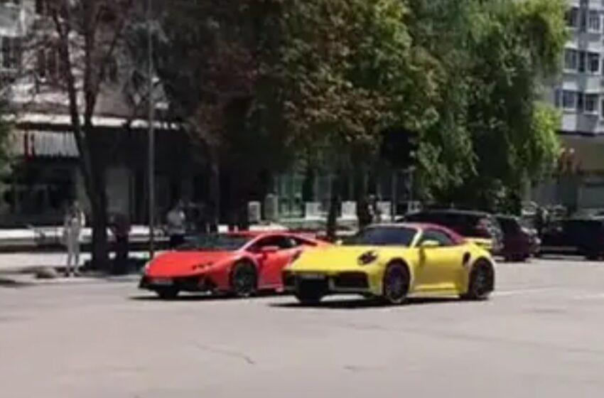 """(VIDEO) """"Need for speed"""" pe străzile Chișinăului: Doi bolizi de lux își măsoară caii în plin trafic"""