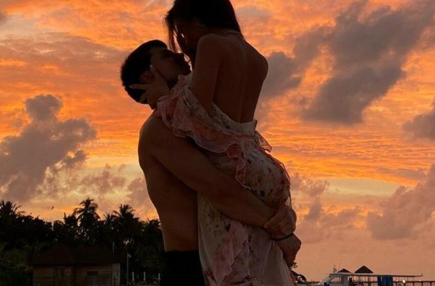 FOTO Dragostea plutește în aer! Marinela Bezer, după nouă ani de relație: Simt fluturi în stomac când ne ținem de mână