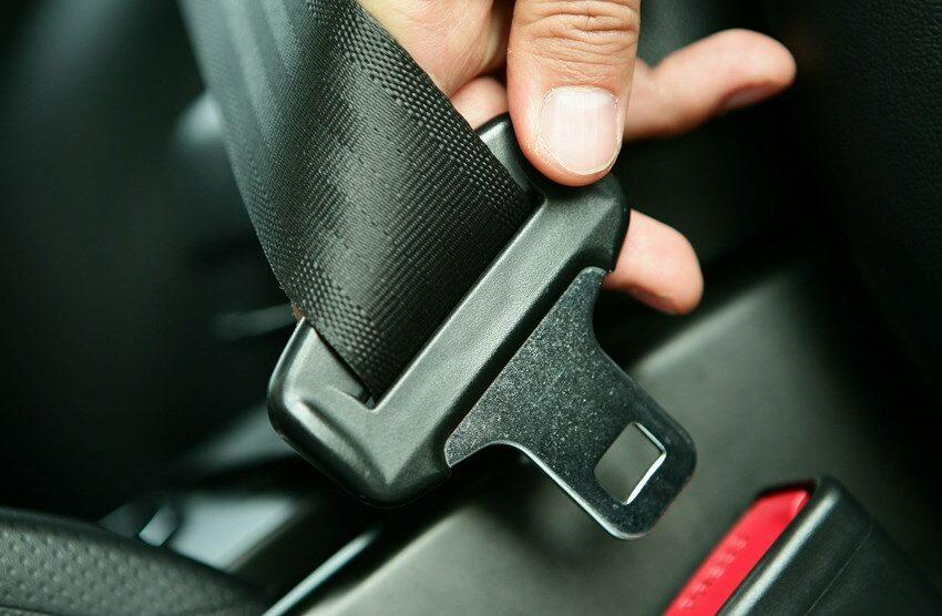 Top 10 mituri periculoase în care continuă să creadă şoferii