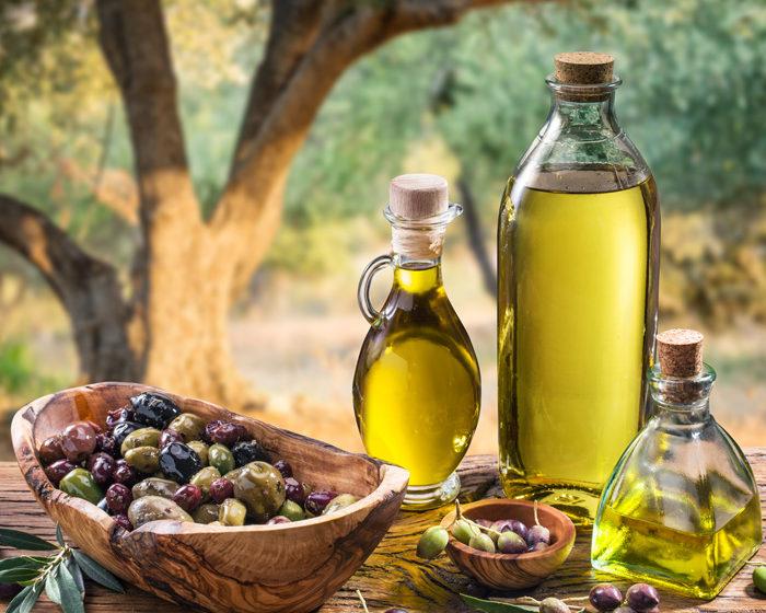 Marele secret al uleiului de măsline. Ce ingrediente pun de fapt spaniolii și grecii, atunci când pregătesc acest untdelemn
