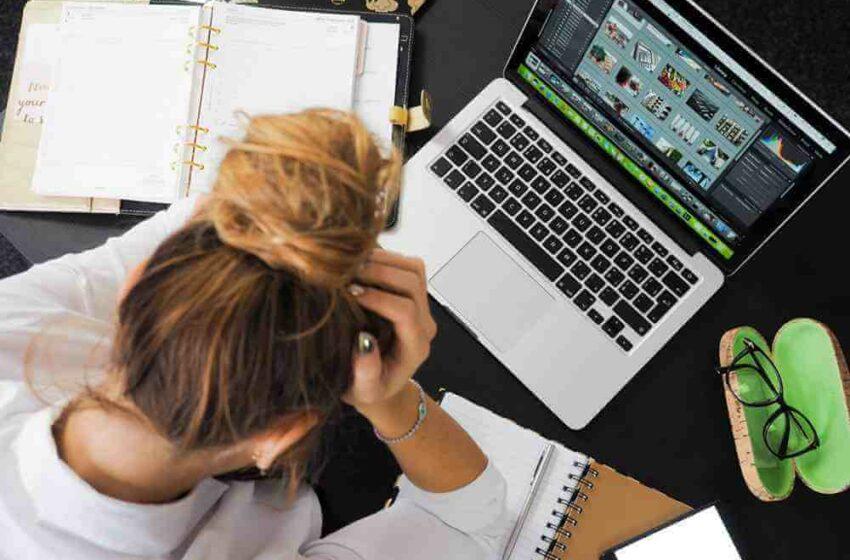 Sindromul Burnout: Mereu epuizat, fără chef de muncă și nimic nu are sens. Un psihoterapeut ne-a explicat cât de grav e și ce să faci