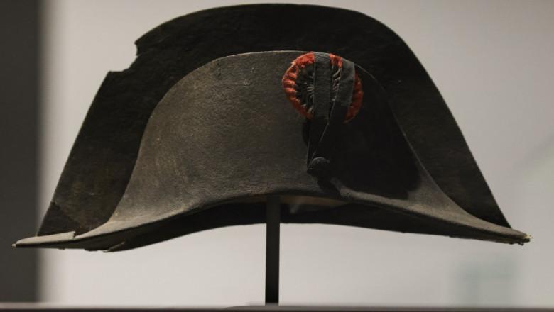 O pălărie purtată de Napoleon care are pe ea ADN-ul împăratului a fost scoasă la licitație