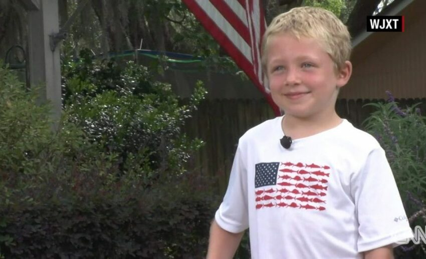 O oră a înotat până la țărm: În SUA, un băiat de șapte ani și-a salvat eroic tatăl și sora, care au fost luați de curent