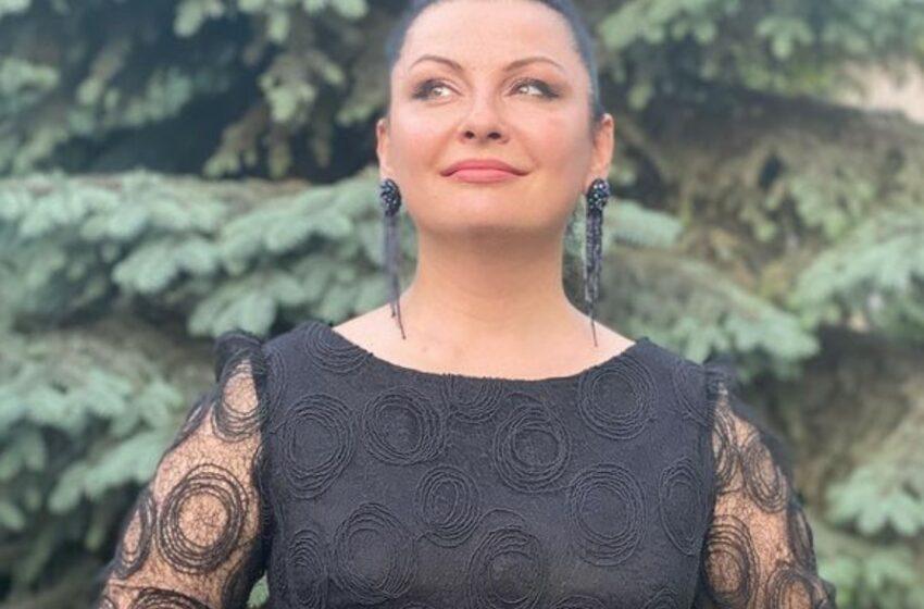 FOTO Nu-i încap formele în rochie: Geta Burlacu, în cea mai provocatoare ipostază