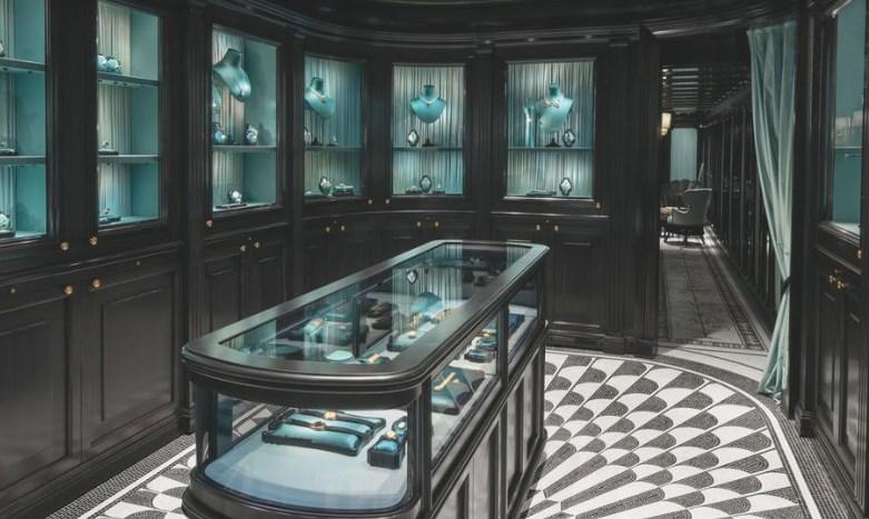 Bijuterii în valoare de 10 milioane de euro, furate dintr-un magazin din Paris