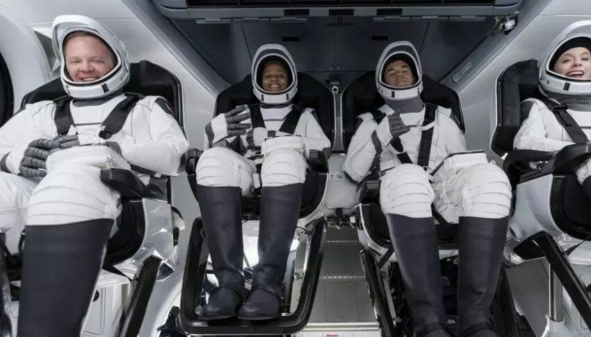 """""""O călătorie deosebită"""". Impresiile celor patru astronauți amatori, după trei zile petrecute în spațiu"""