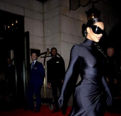 Apariţii memorabile la Met Gala de la New York. Jennifer Lopez, Rihanna şi Sharon Stone, printre starurile prezente la eveniment