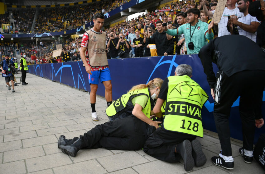"""(FOTO) O femeie lovită cu mingea de Cristiano Ronaldo. Fotbalistul credea că a murit  """"Dumnezeule, nu!"""""""