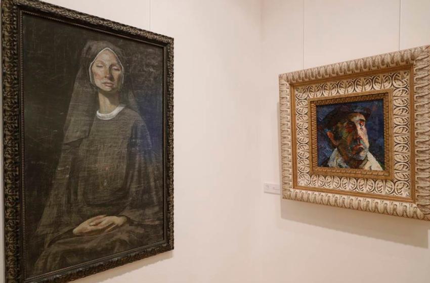 "(FOTO/VIDEO)  (FOTO/VIDEO) Pictorița din Moldova, Nicoleta Stati, și-a inaugurat propria expoziție la Moscova: ""Am adus aici opera întregii mele vieți"""