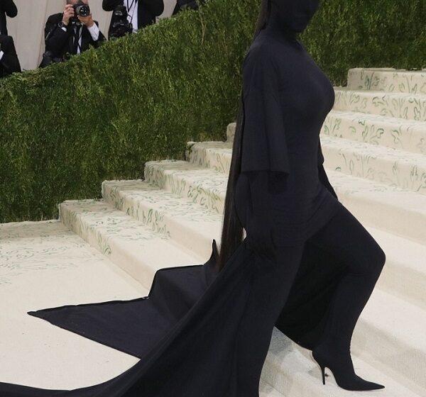 GALERIE FOTO  Cele mai extravagante rochii de la Met Gala. Vedete, care au arătat prea mult sau au șocat cu ținutele lor