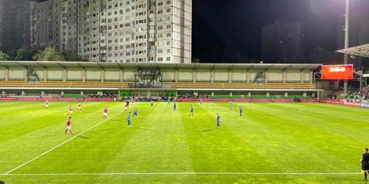 Un copil a reușit să amâne cu 30 de minute meciul de fotbal dintre Moldova și Austria: A ridicat o dronă deasupra stadionului, din joacă
