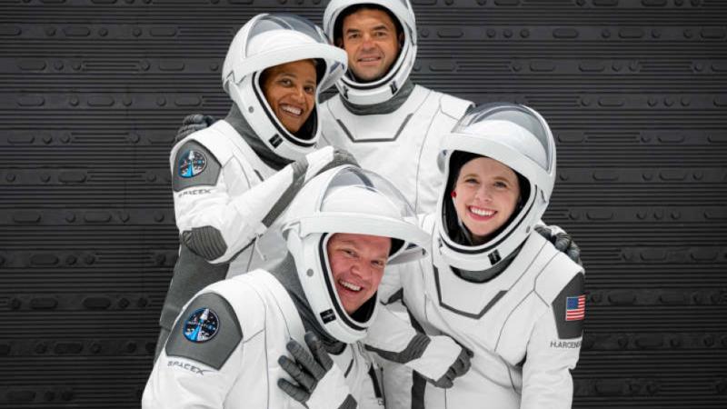 SpaceX se pregătește să trimită pe orbită primul echipaj exclusiv civil