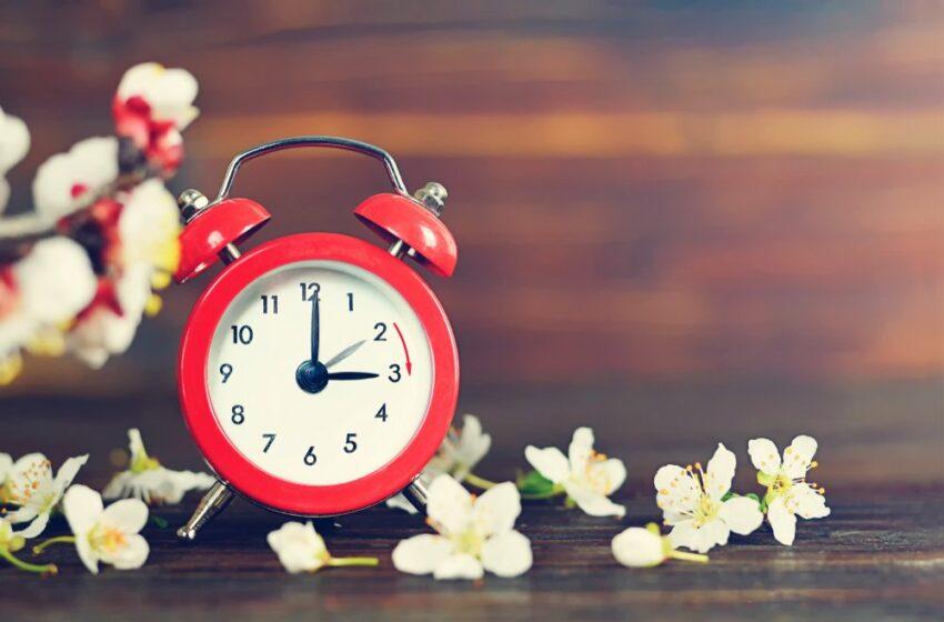 Astăzi, are loc echinocțiul de toamnă, ziua este egală cu noaptea. Când urmează să se schimbe ora